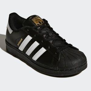 NWT Adidas Size 12K originals kid superstar shoes